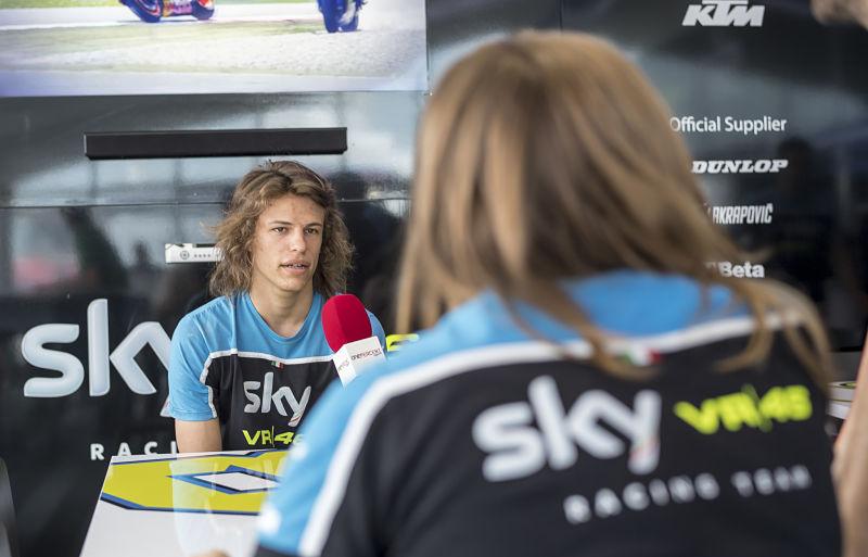 Bulega seguirá en el Sky Racing Team VR46 en 2017 y 2018