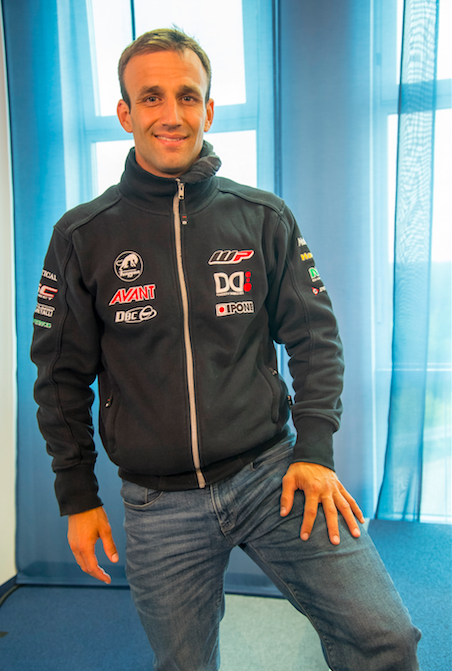 Johann Zarco a MotoGP con el equipo de Yamaha Tech3