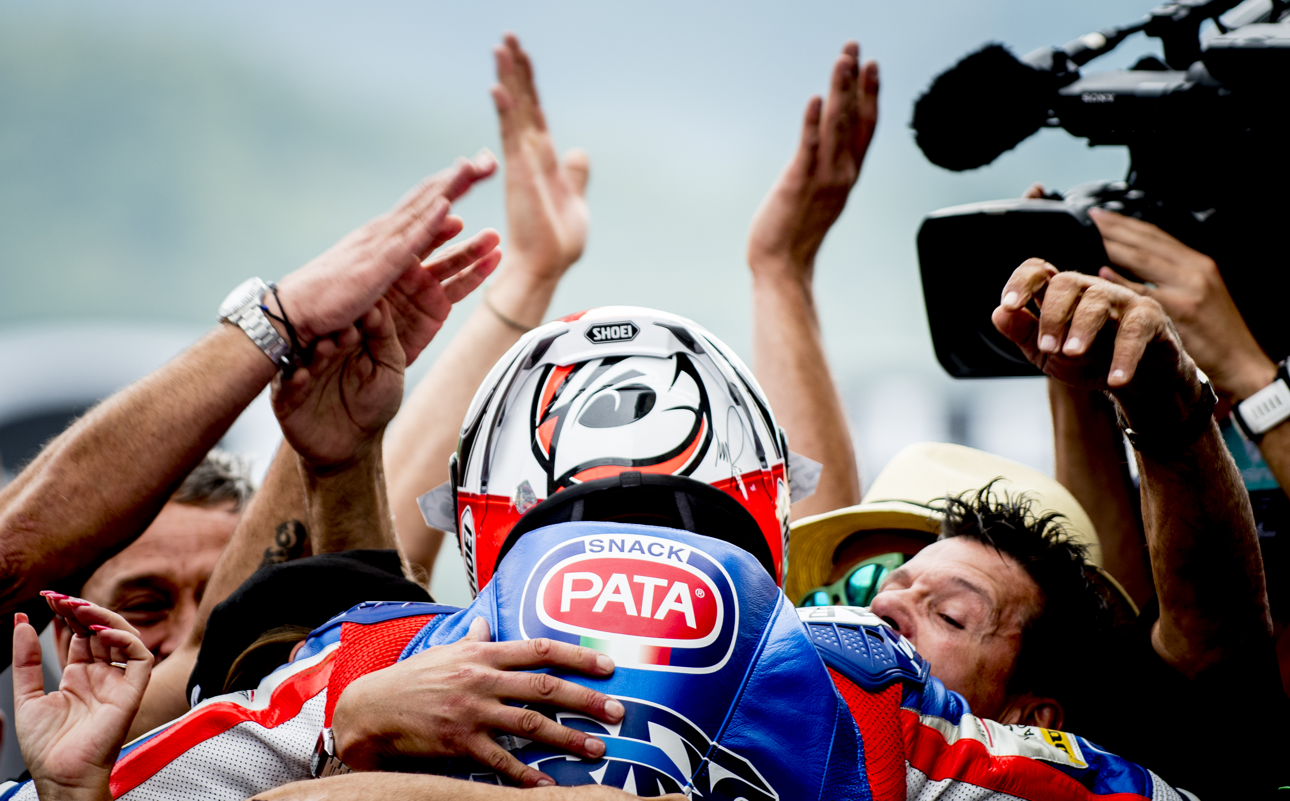 Moto2: Gana Pasini ocho años después y Márquez es tercero