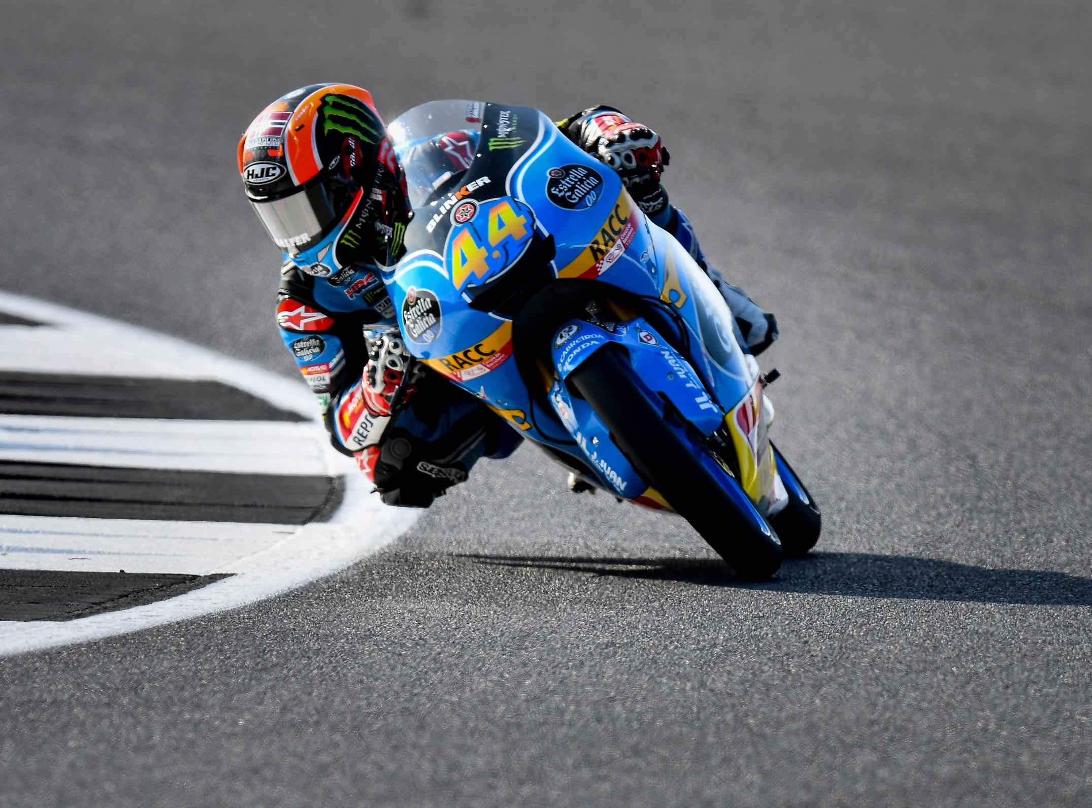 Canet gana tras bandera roja con Bastianini y Martín en el podio